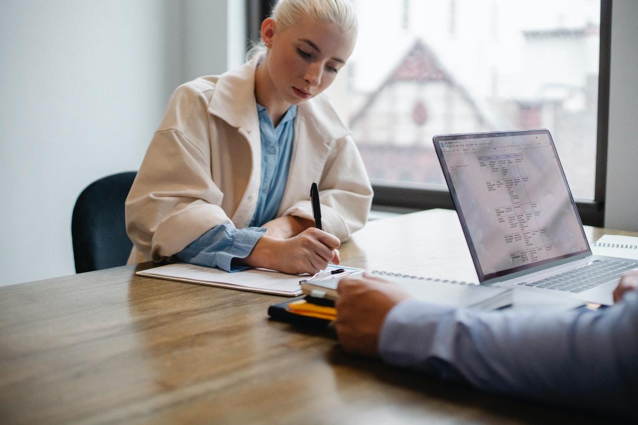 雇用契約書で必須の記載事項